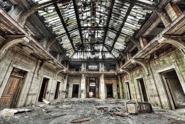 Plexiglas verlaten fabriek 100x150