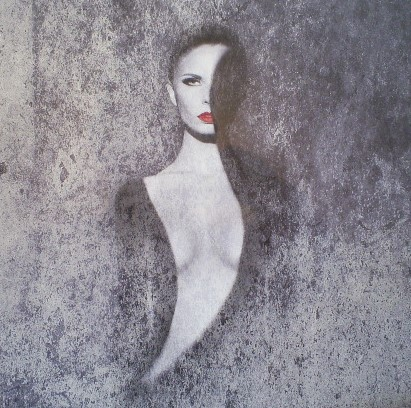 100x100 Dibond Lady in Grey