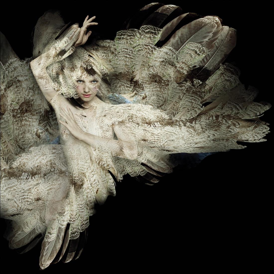 Acrylglas vrouw met veren 100x100