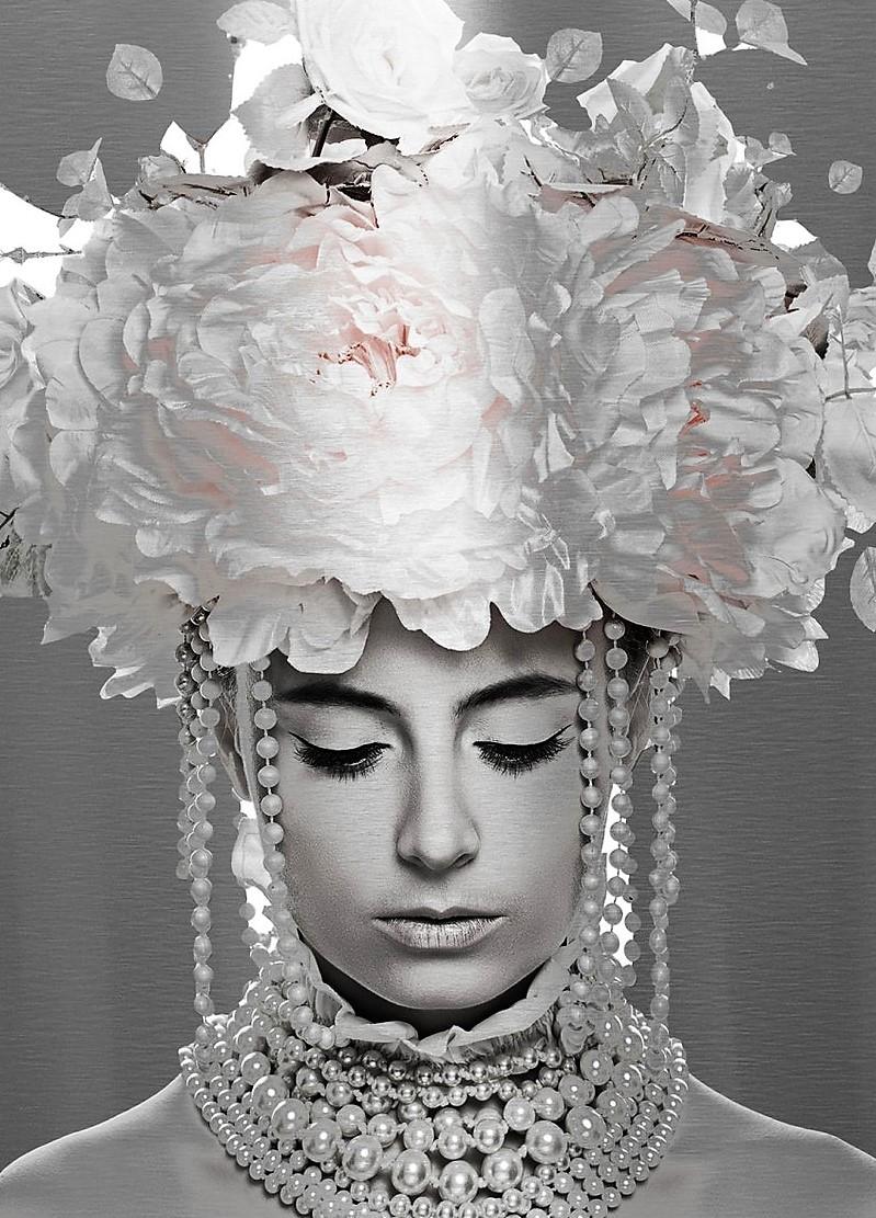 Dibond vrouw met bloemen 70x100