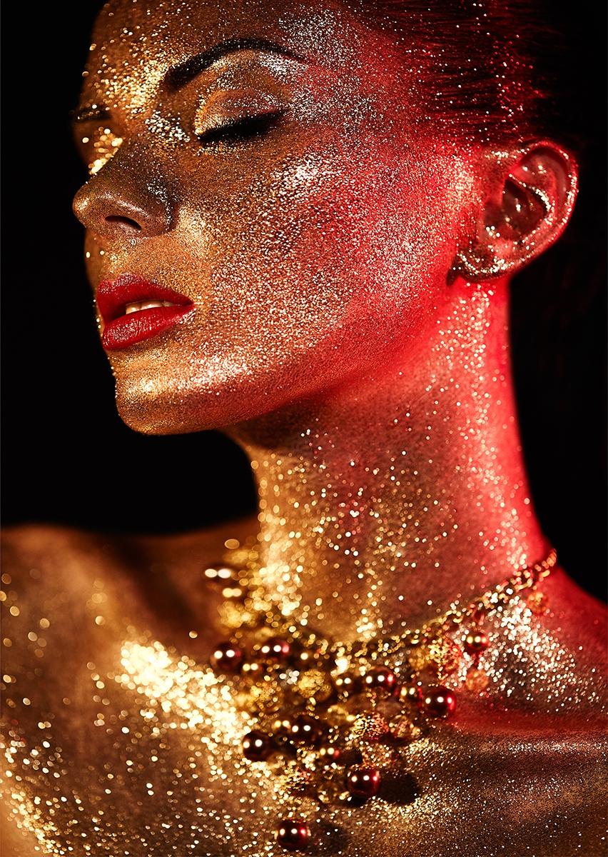 Glitter woman II op glas 70x100