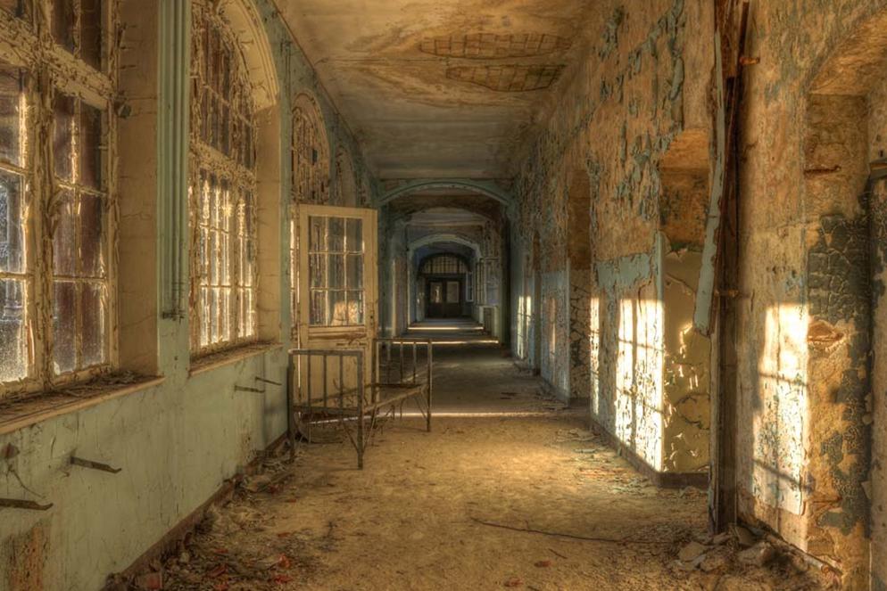 Plexiglas urbex verlaten gebouw 80x120