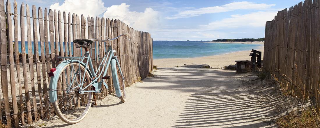 Fotokunst strandpad met fiets 60x150