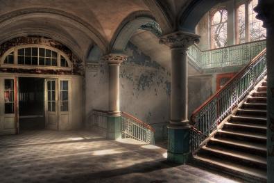Empty stairways op glas 70x100