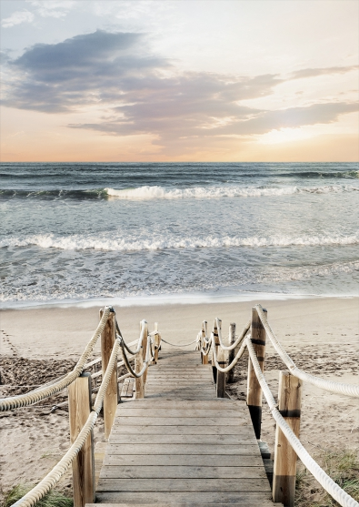 Steiger aan het strand op glas 70x100