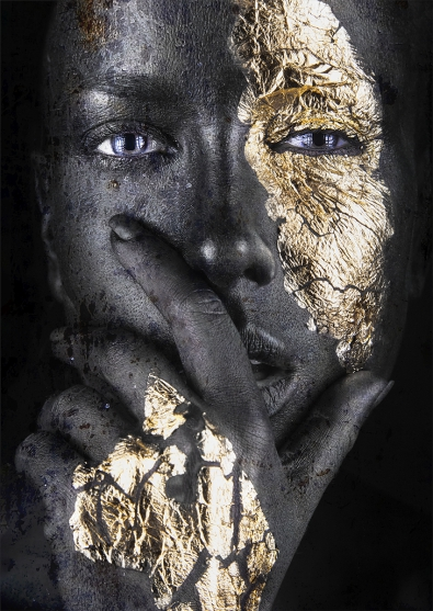 Golden woman II op glas 70x100